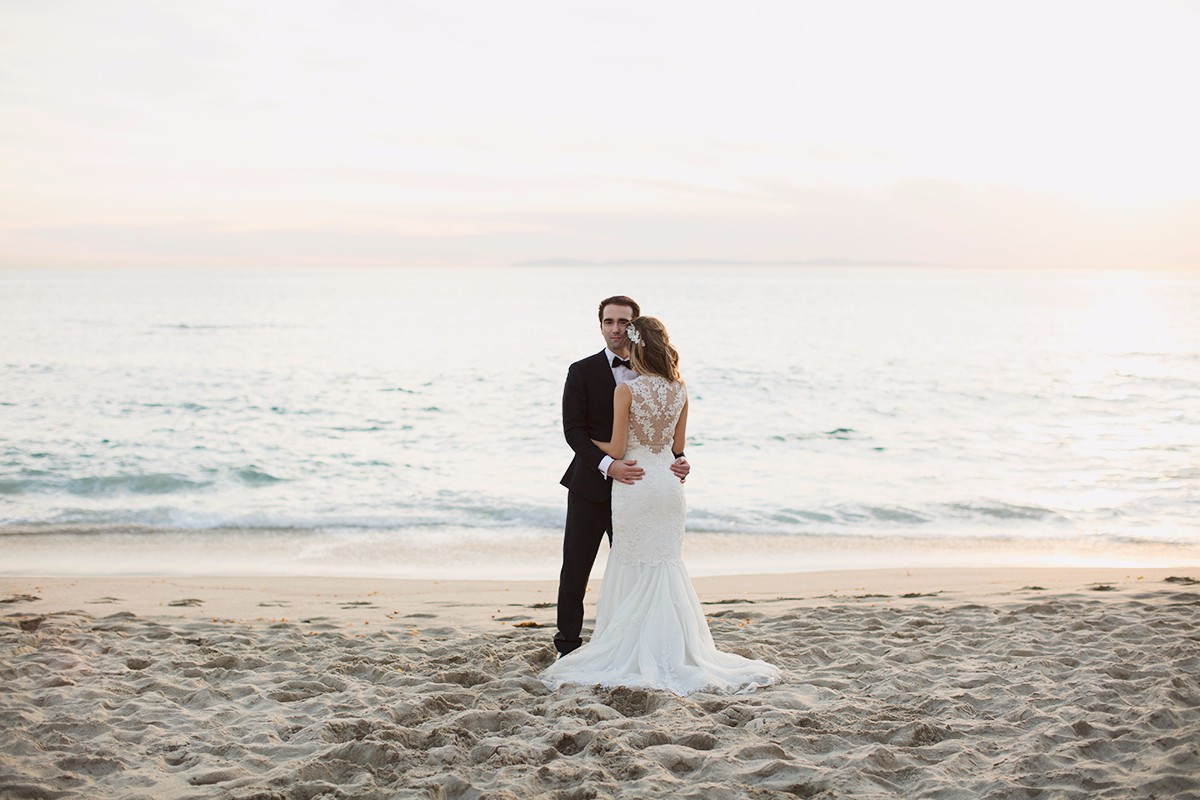 damaris-mia-photogreaphery-romantic-beach-wedding