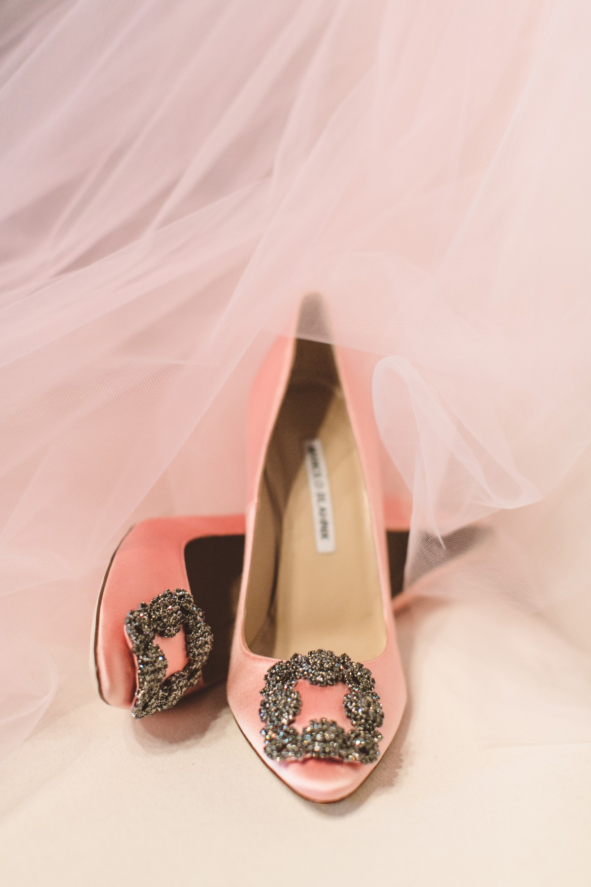 manolo-blahnik-designer-wedding-pumps
